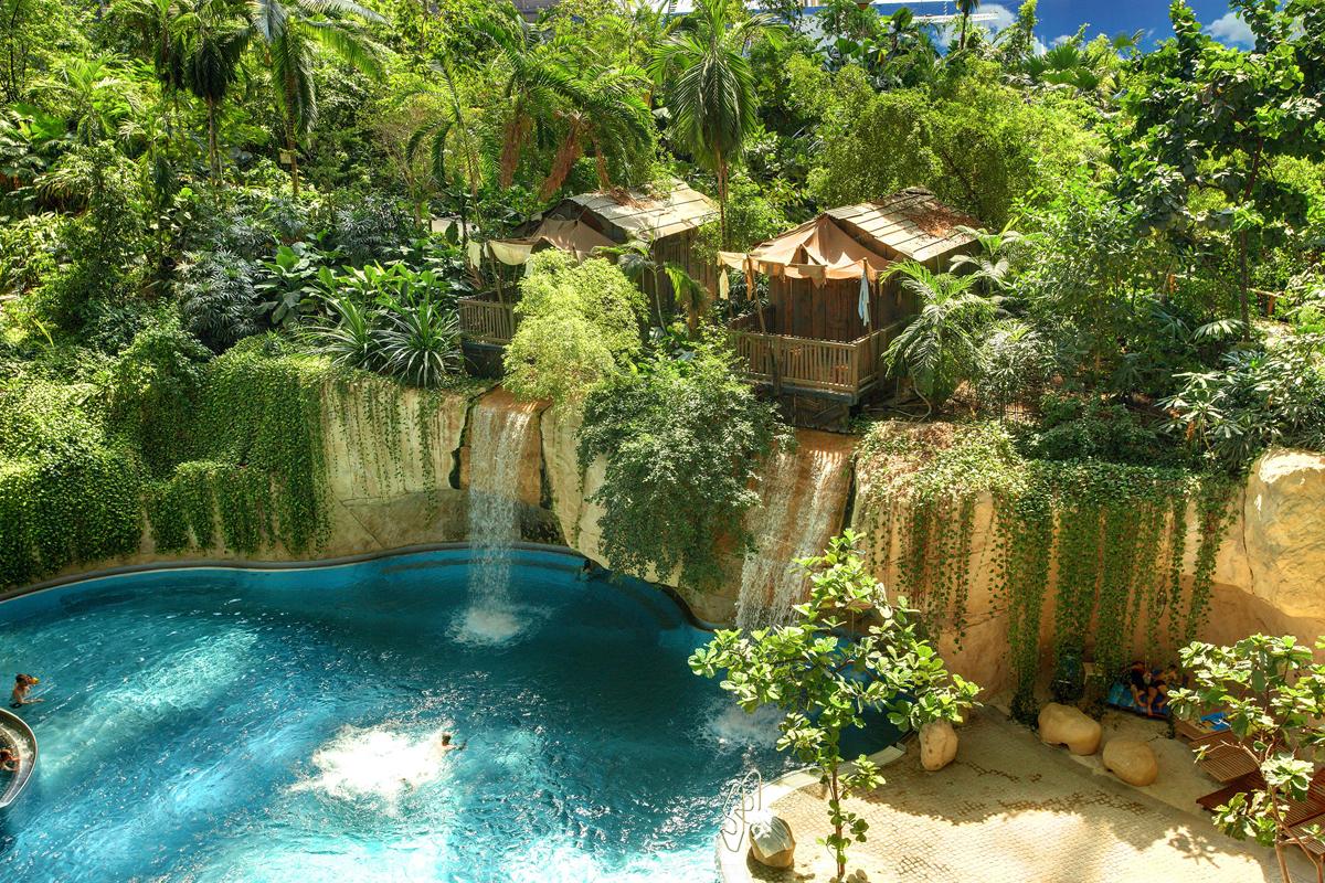 Аквапарк Tropical Island, водопад