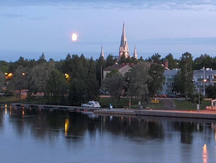 Вид евангелическо-лютеранской церкви при лунном свете, Йоэнсуу