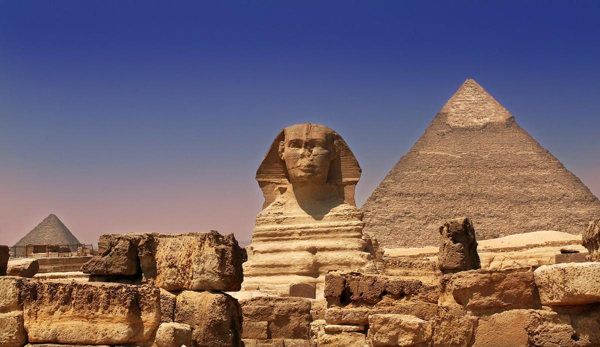 Вид на пирамиду Хеопса в Гизе