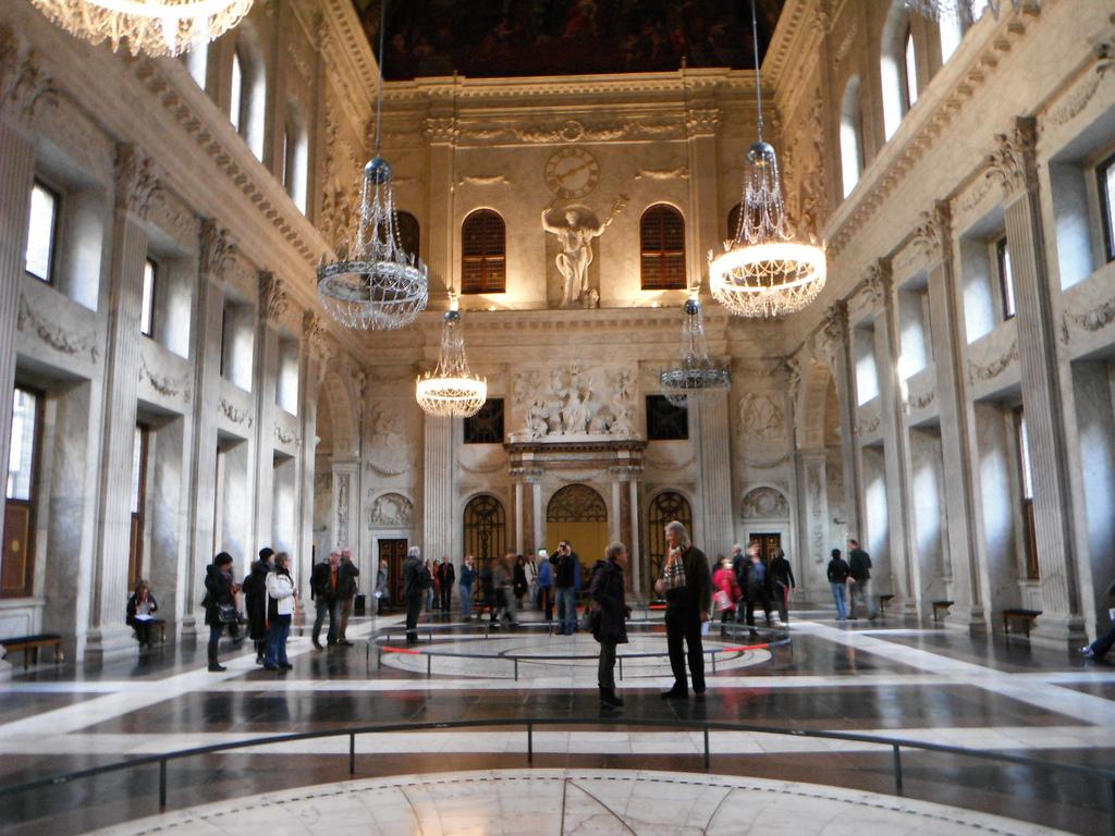 Королевский дворец в Амстердаме, парадный зал