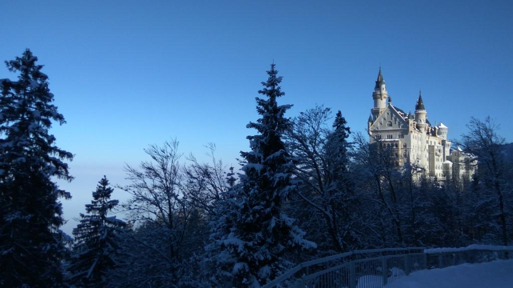 Зимний Нойшванштайн