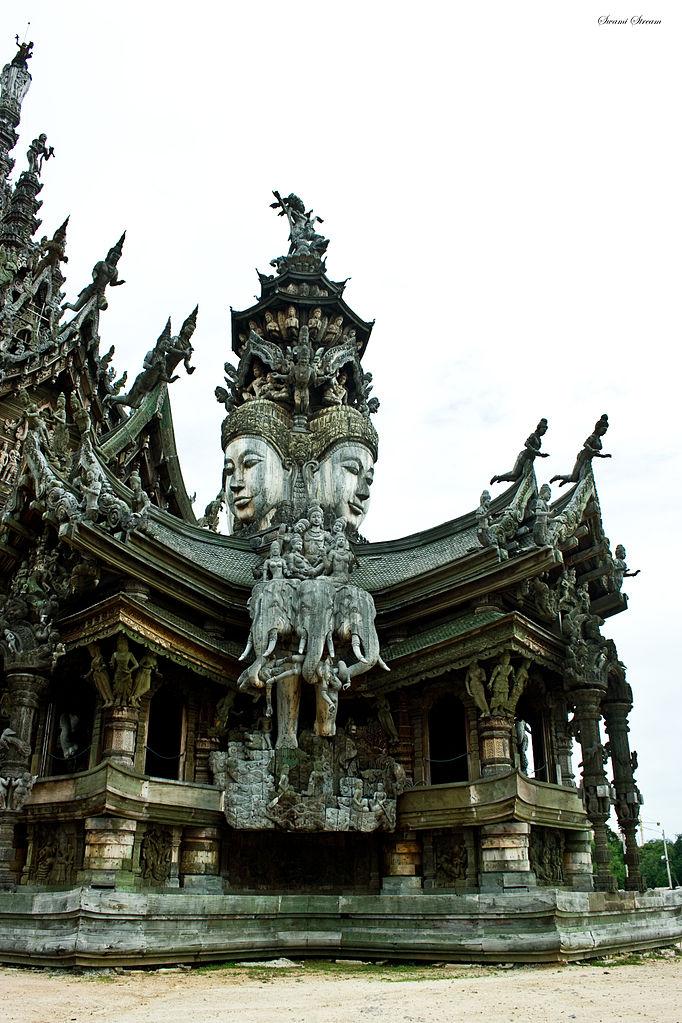 Храм Истины, крыша