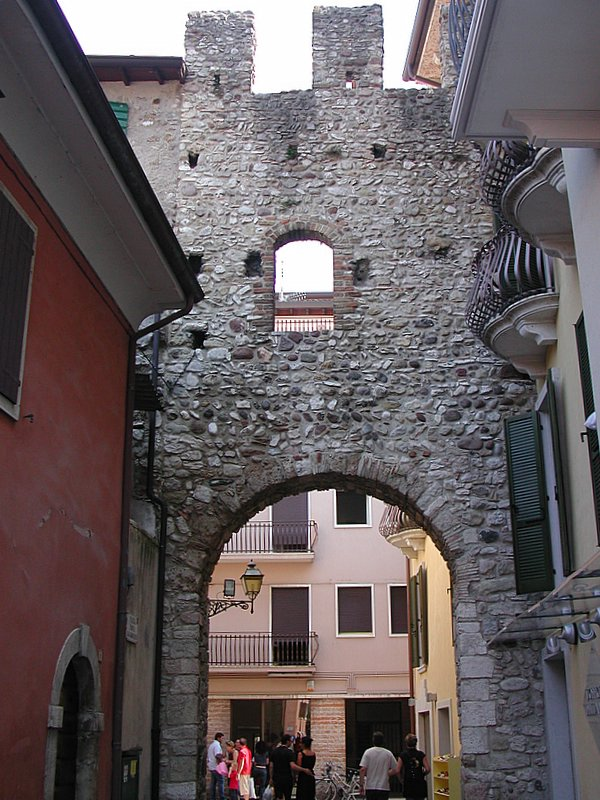 Ворота Porta San Giovanni, Бардолино