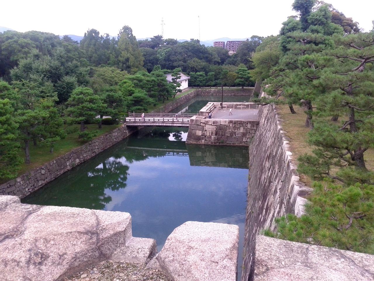 Замок Нидзё, внутренний ров и мост