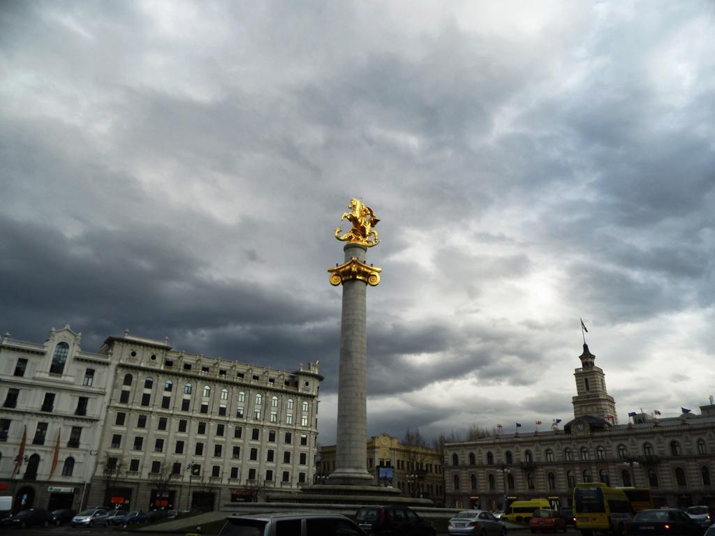 Памятник Георгию Победоносцу в Тбилиси
