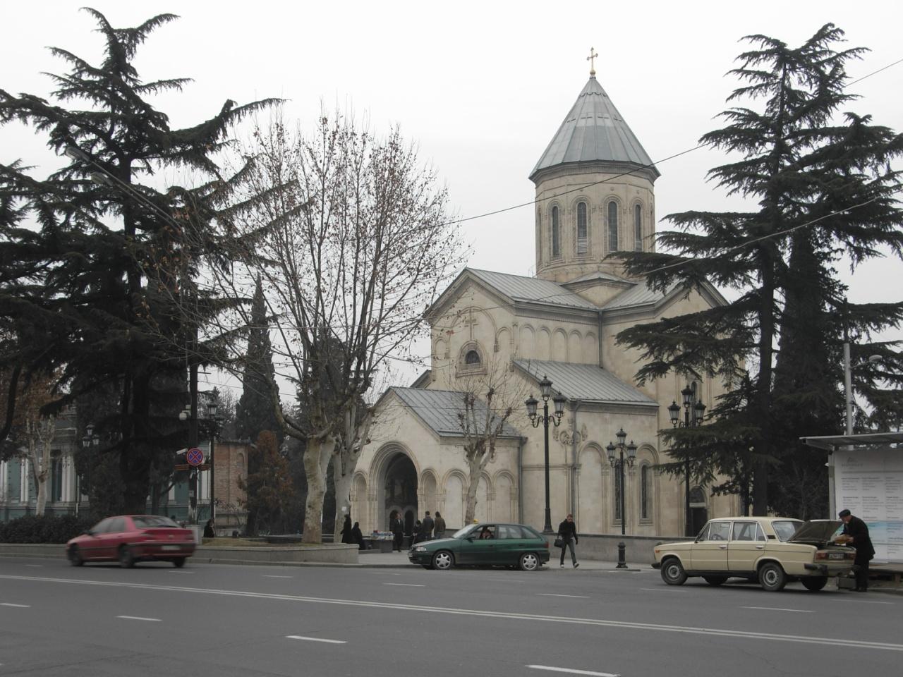 Проспект Руставели, церковь Кашвети