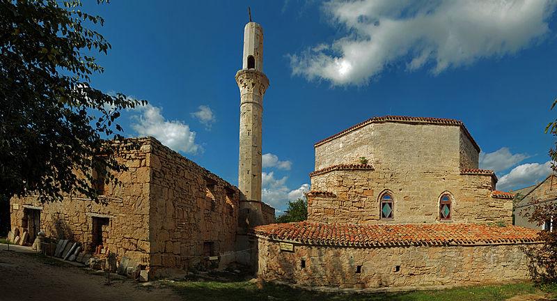 Развалины мечети на территории текие дервишей