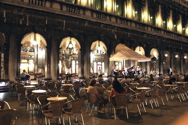 Кафе Флориан - самое старое в Европе, Венеция.jpg