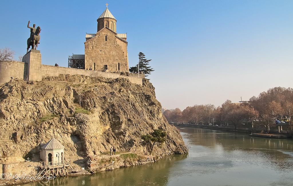 Памятник Царю Вахтангу Горгасали, Старый Тбилиси