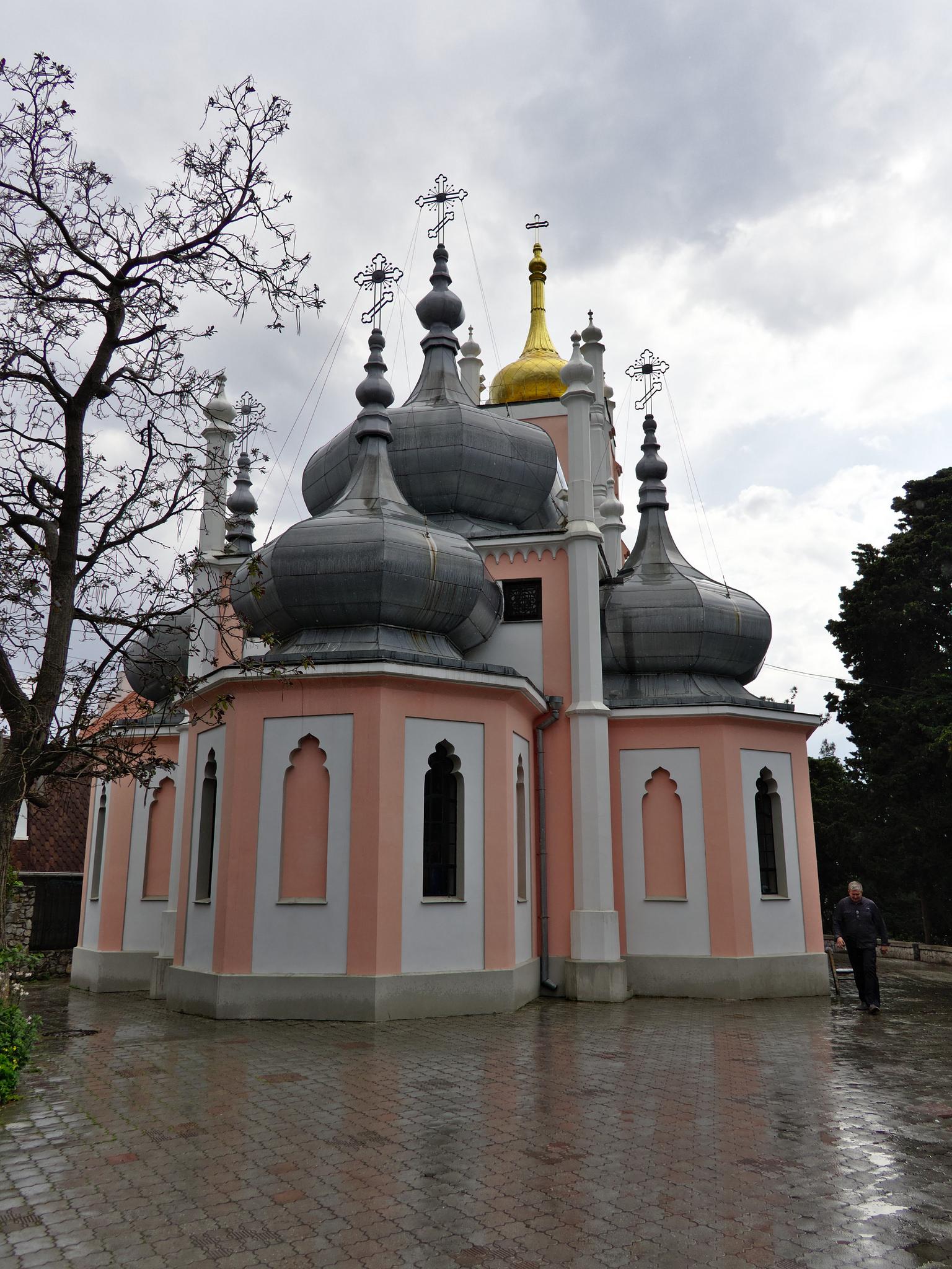 Вид на Церковь Иоанна Златоуста
