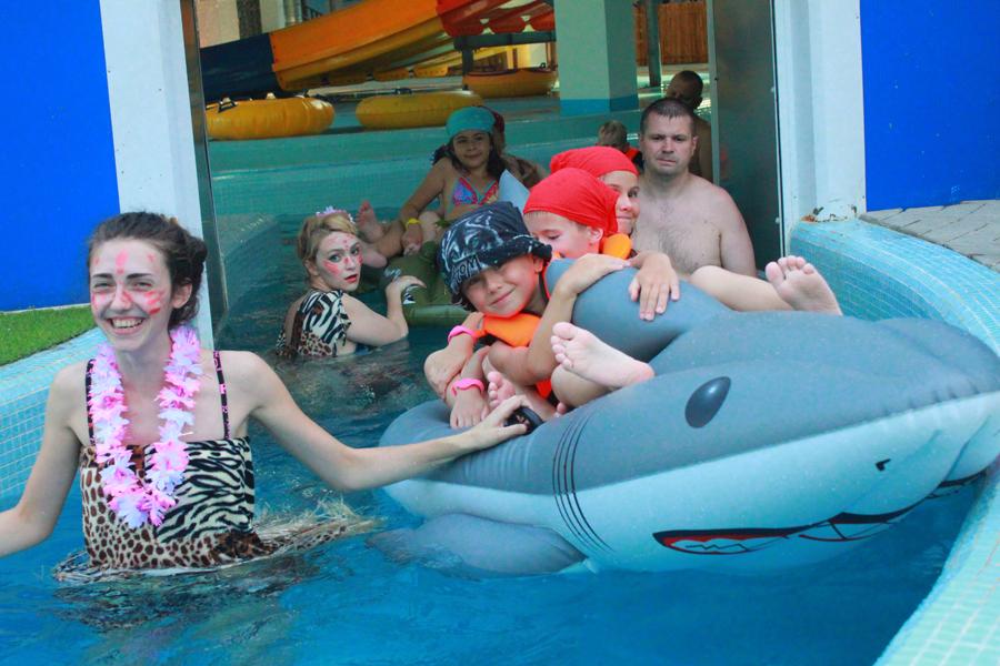 В бассейне аквапарка «Тропический остров» в Ярославле
