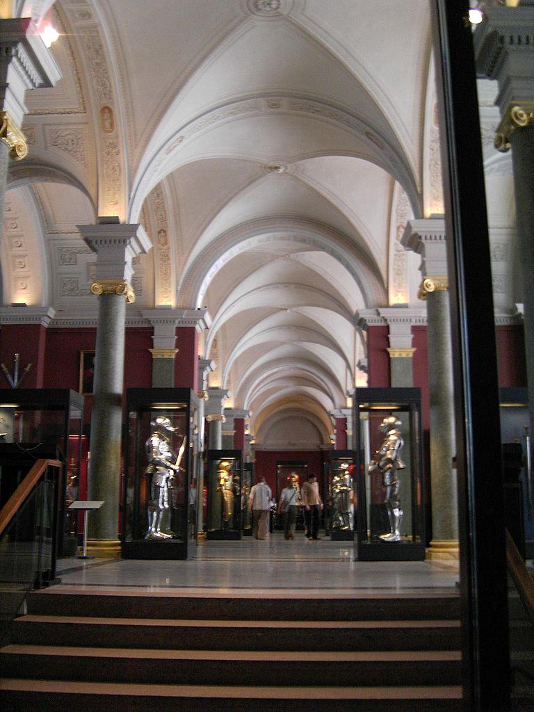 Дрезденская оружейная палата, вход