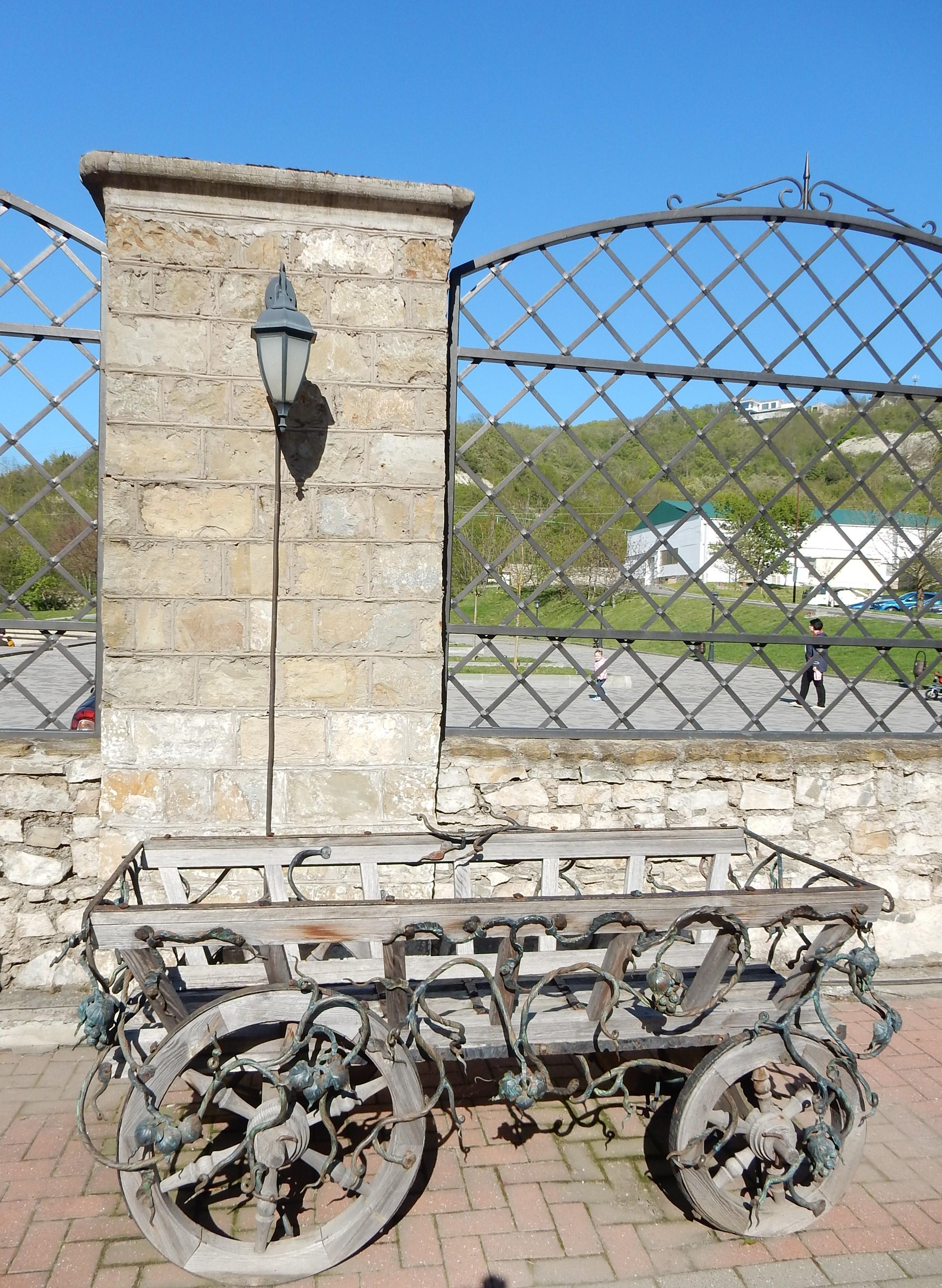На территории Музея шампанского в Абрау-Дюрсо