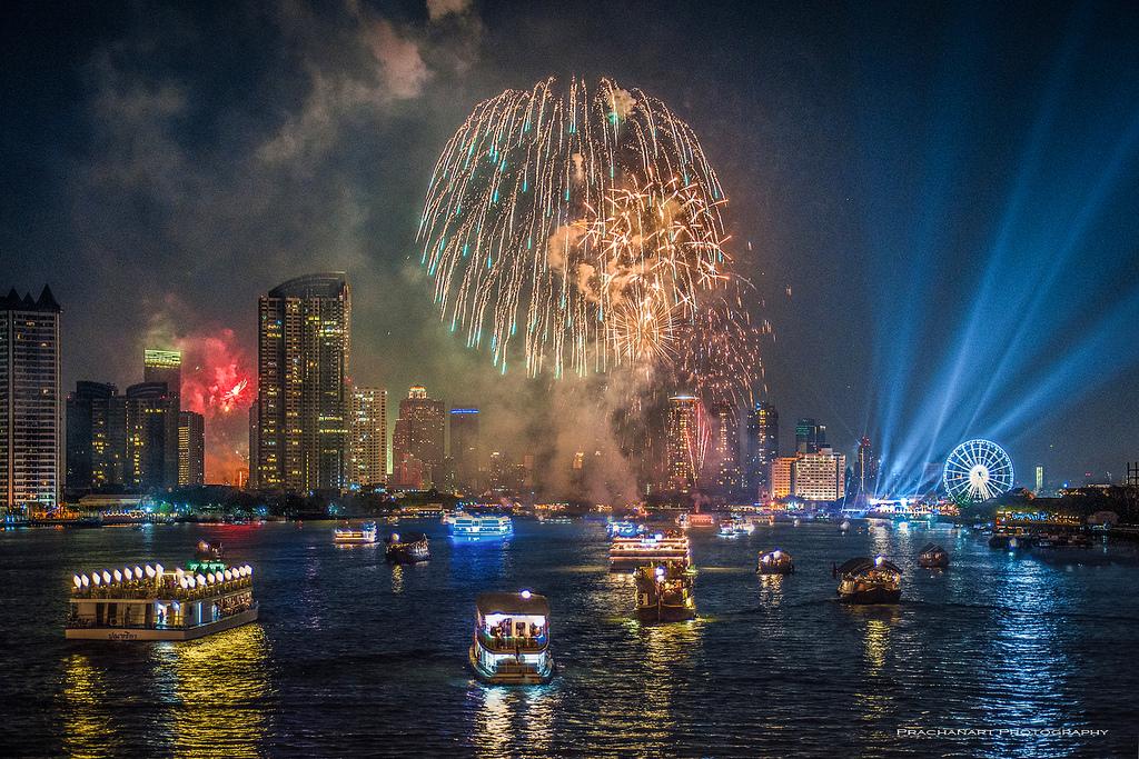 Смотреть Новый год 2019 в Таиланде видео