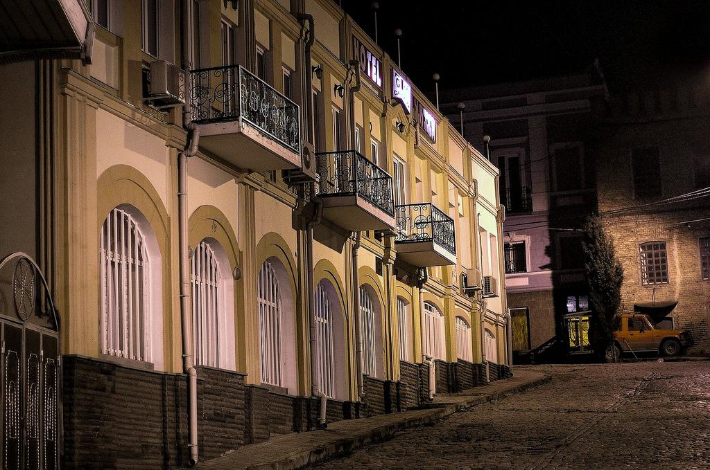 Старый Тбилиси вечером