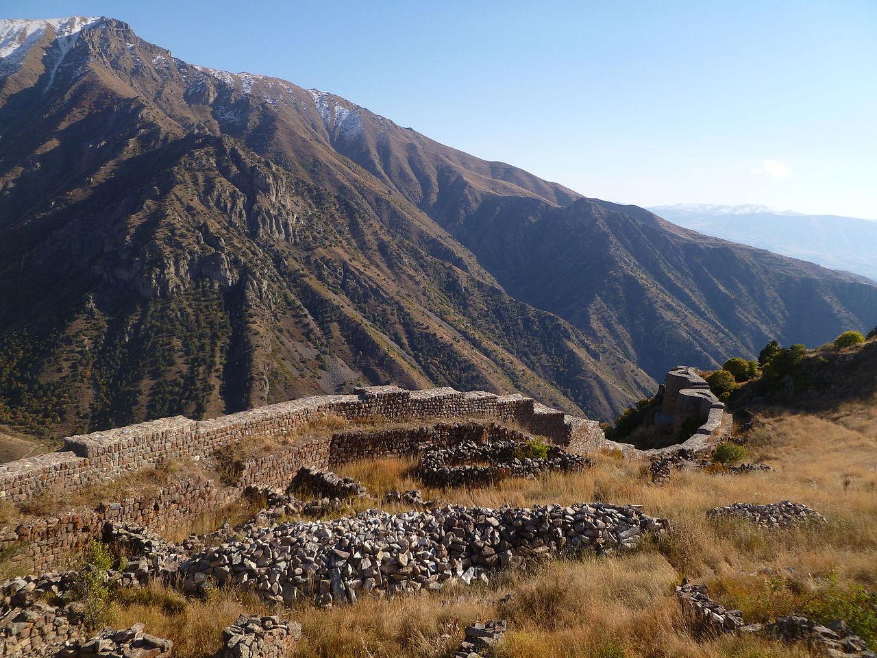 Вид на крепость Смбатаберд