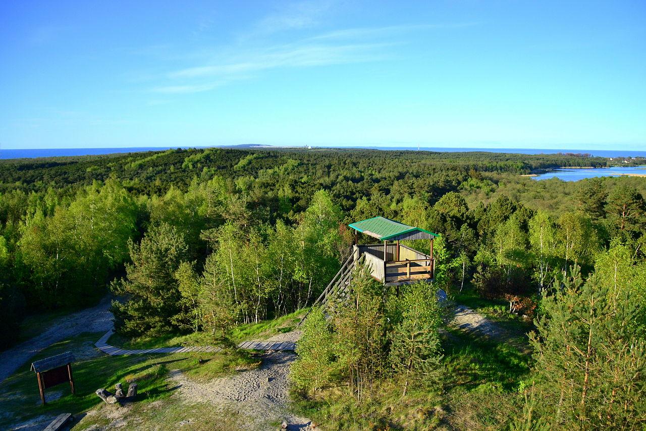 Высота Мюллера, вид на смотровую площадку и озеро Чайка