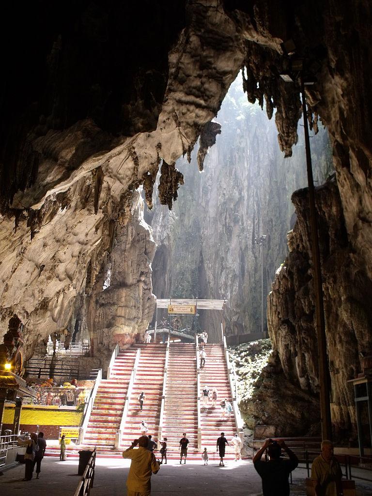 Пещеры Бату, вход