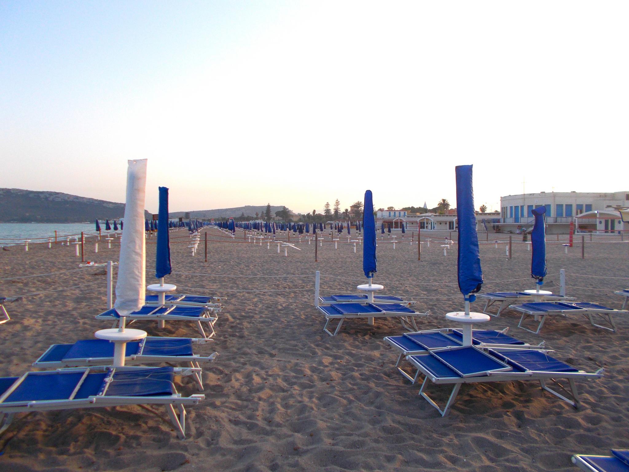 Утро на пляже Поэтто, Кальяри
