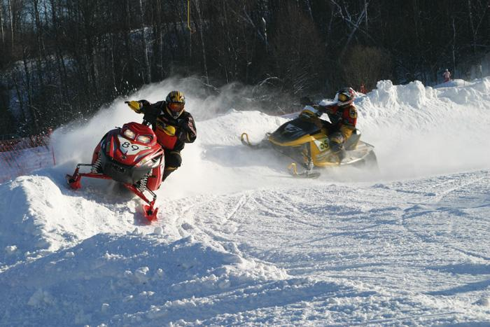 Гонки на снегоходах, Клуб Тягачёва.jpg