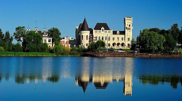 Фото: парк-отель «Замок Понизовкина»