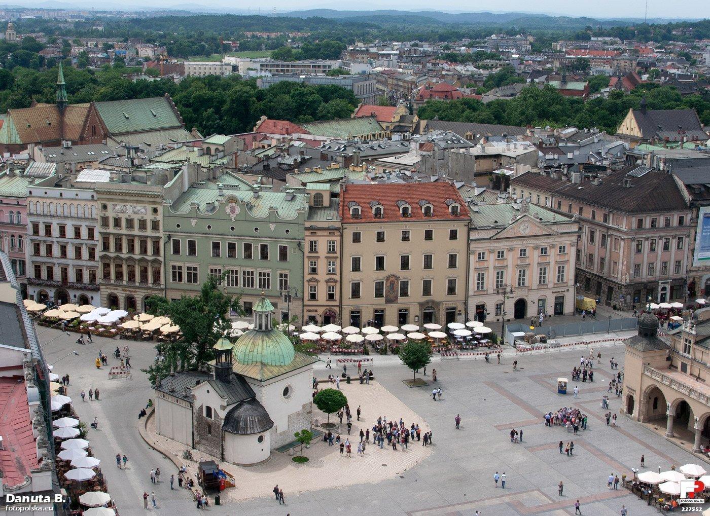 Рыночная площадь Кракова, костёл Святого Войцеха