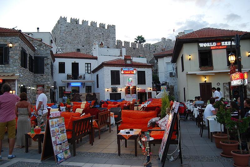 «Улица баров» в Мармарисе