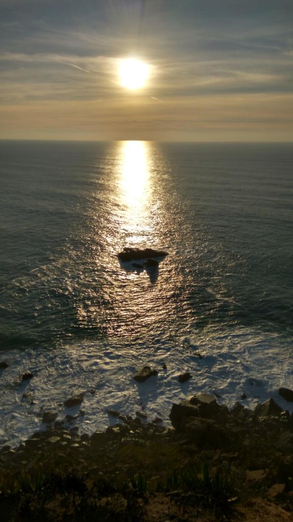 Закат солнца над Атлантическим океаном, мыс Рока