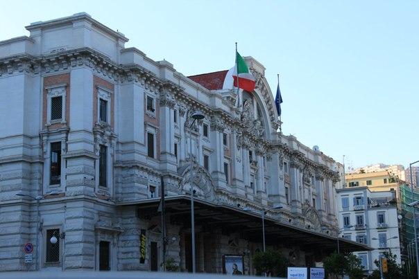 Станция на Мерджелино, Неаполь.jpg