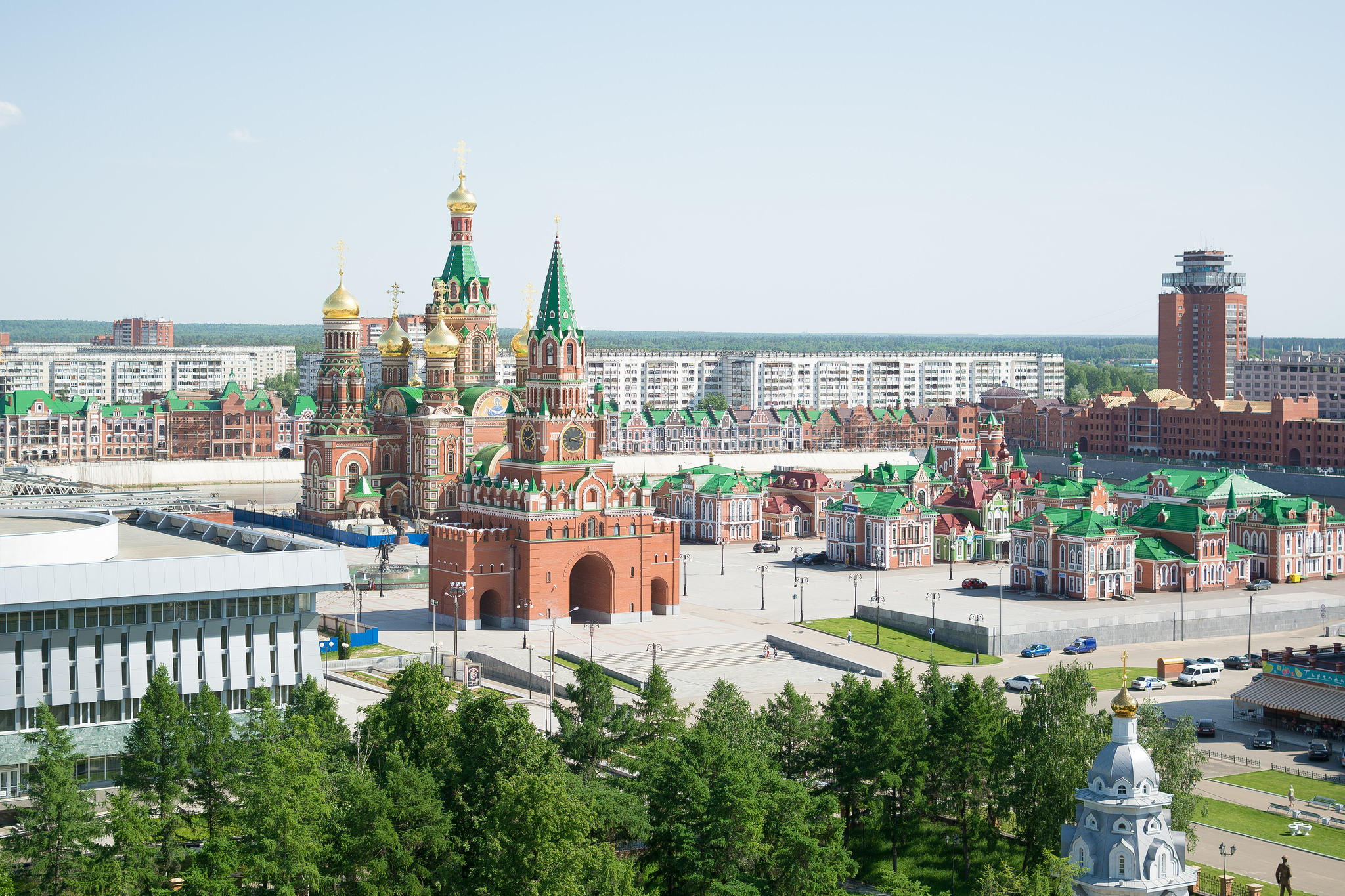 Вид на Архангельскую слободу и Благовещенскую башню в Йошкар-Оле
