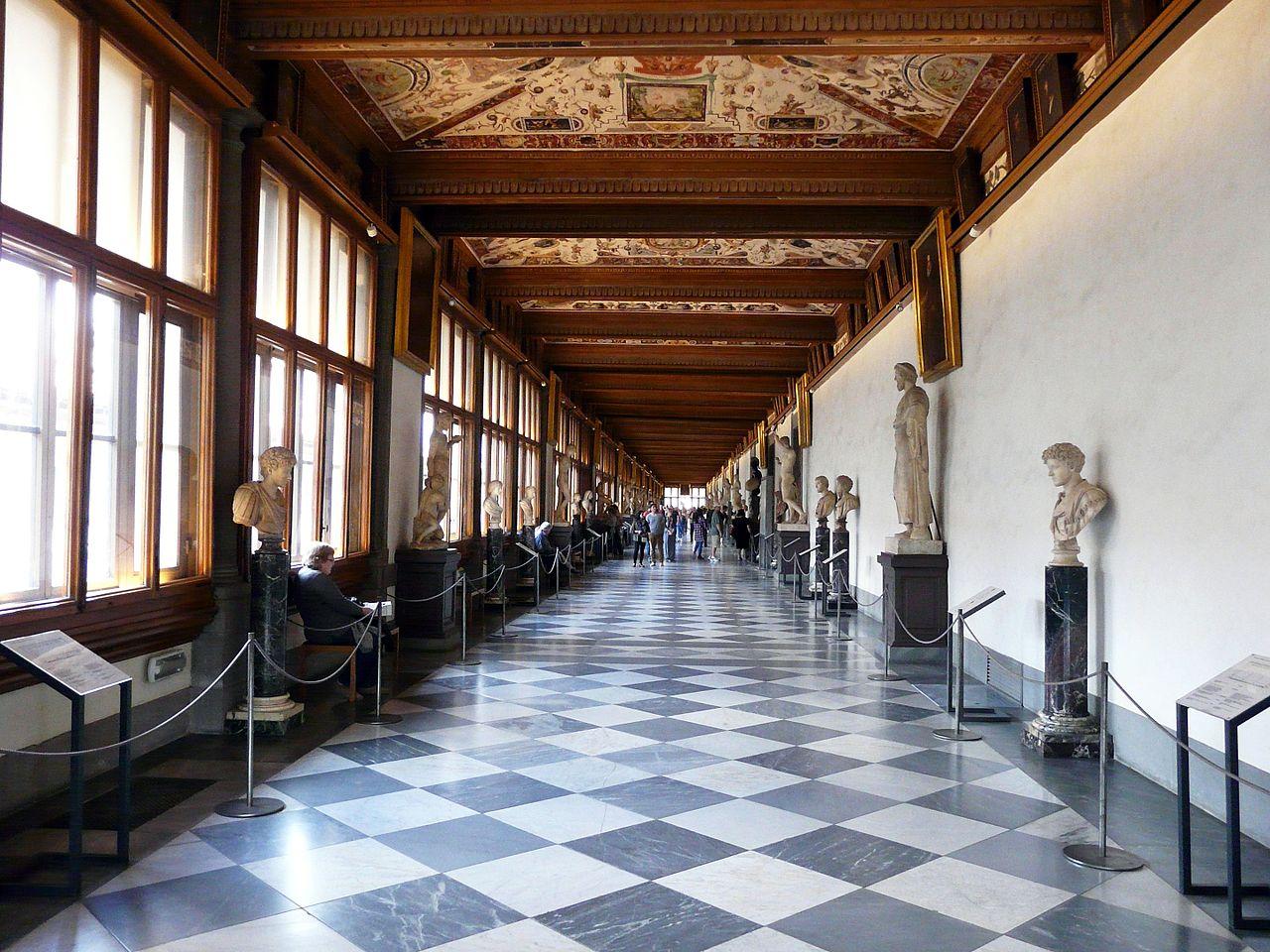Галерея Уффици, коридор
