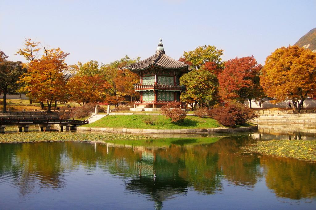 Дворец Кёнбоккун, павильон на острове