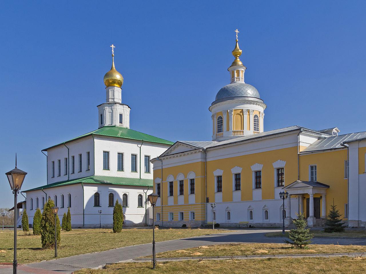 Богоявленский Старо-Голутвин монастырь в Коломне, храм прп. Сергия и Богоявленский собор