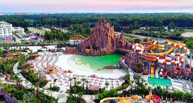 В Анталии открылся самый большой парк развлечений в Турции.jpg