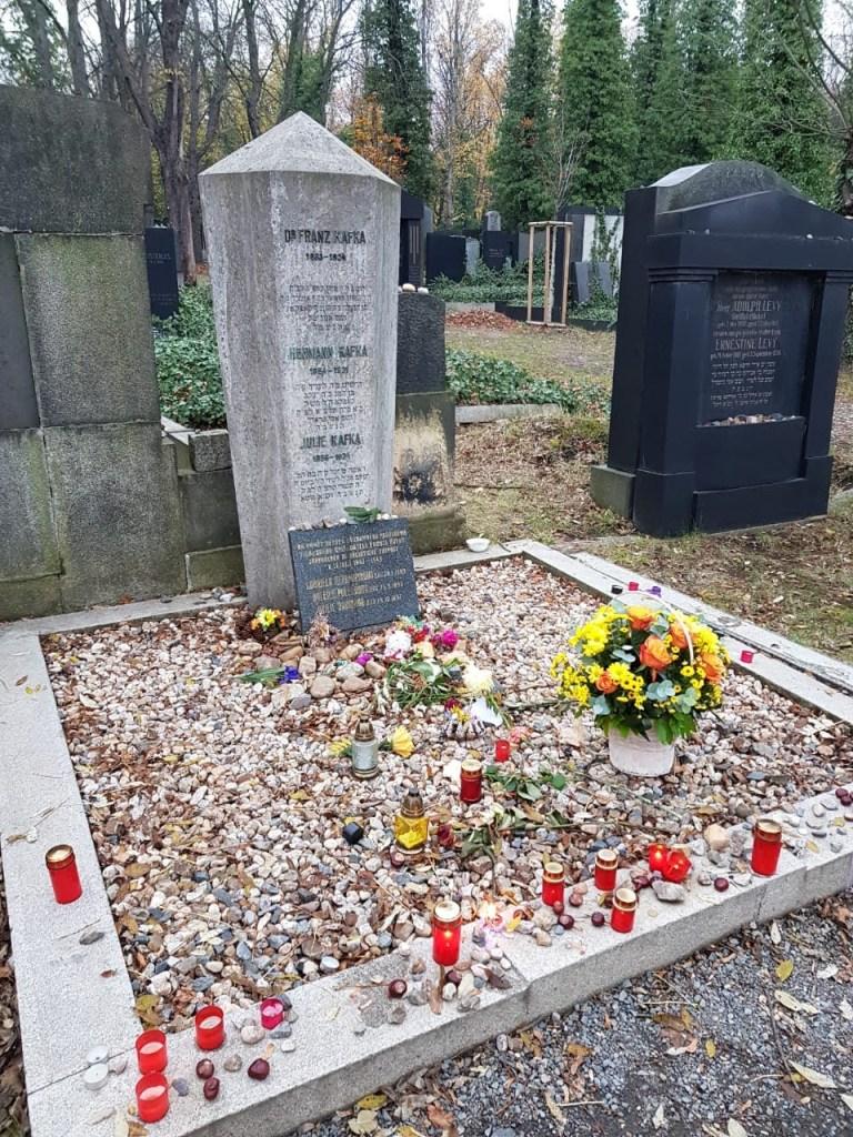 Захоронения на территории Ольшанского кладбища в Праге