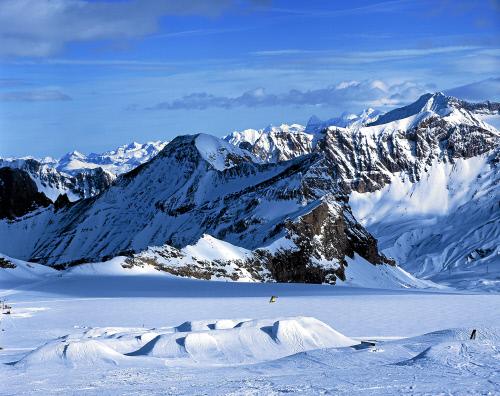 Ледник Гласьер 3000 м, Дьяблере-Виллар.jpeg