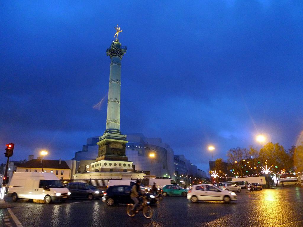 Площадь Бастилии, вечер
