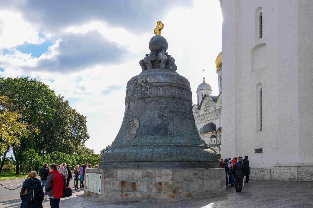 Цены на памятники москвы царь колокол памятники в саратове цены акции
