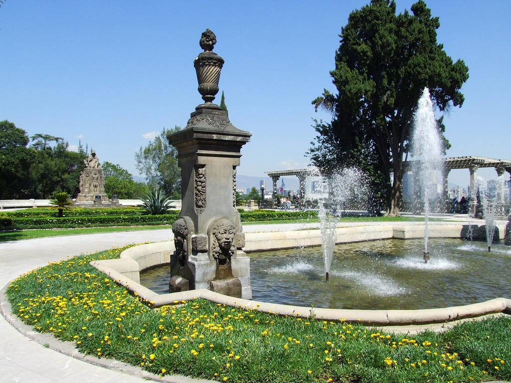 Чапультепекский дворец, фонтан