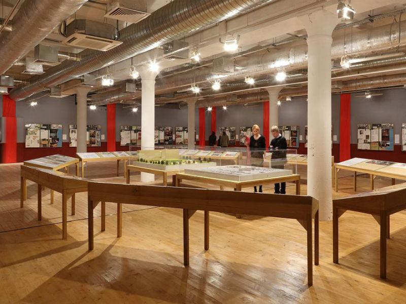 Выставочный зал галереи Red October в Москве