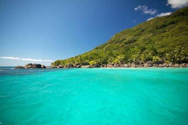 Лазурные воды, Силуэт, Сейшельские острова.jpg
