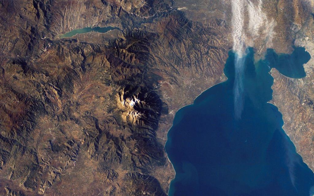 Вид на Гору Олимп со спутника
