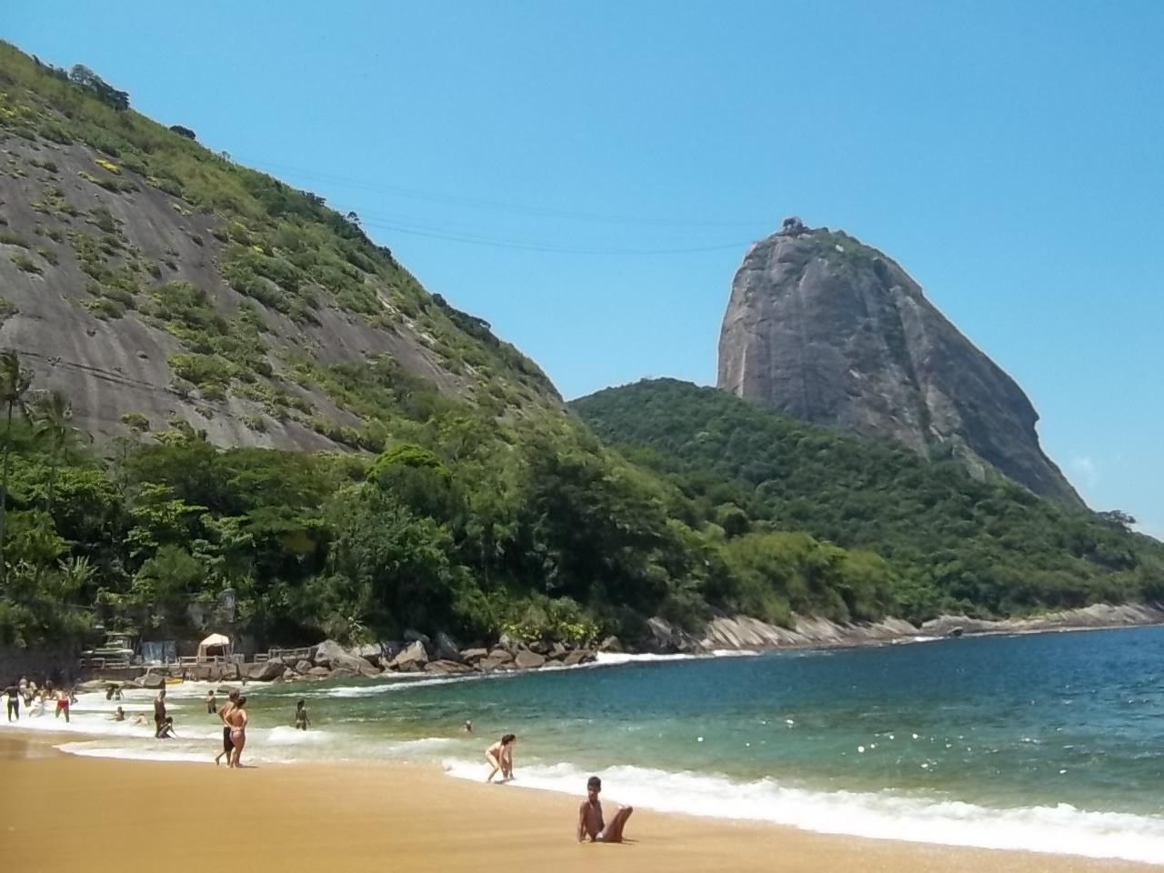 Гора Сахарная голова, вид с пляжа