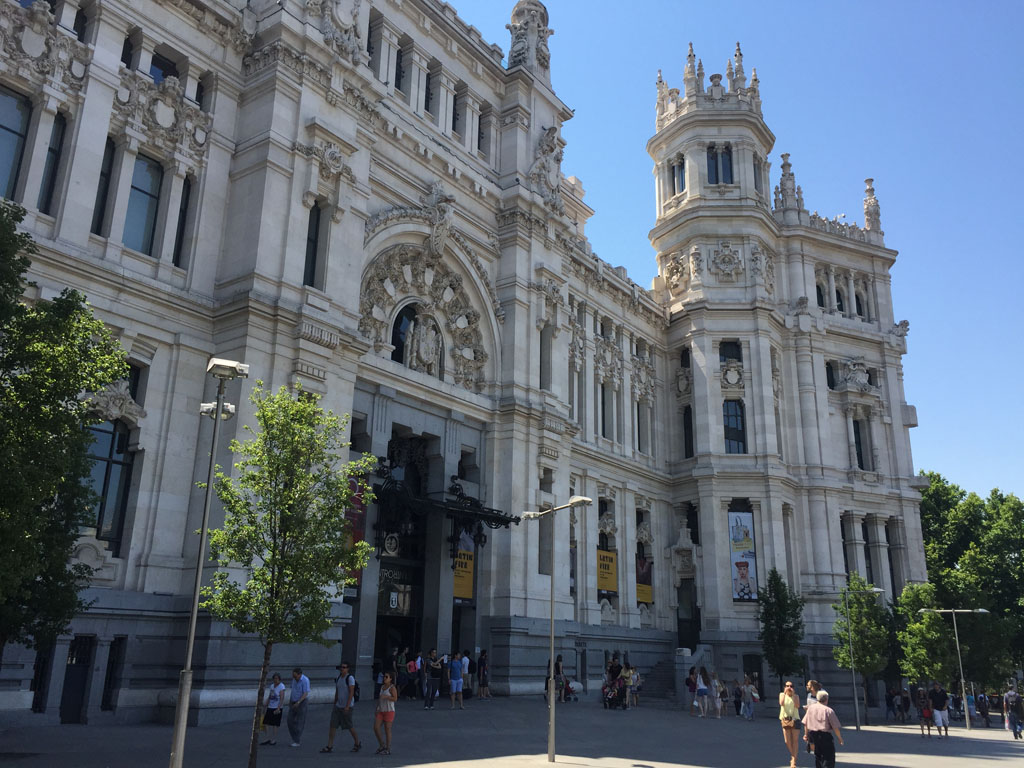 Площадь Сибелес - Все о жизни и отдыхе в Испании