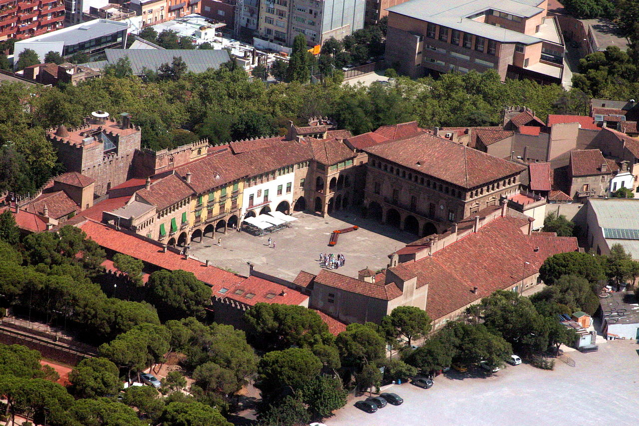 Испанская деревня, вид с воздуха