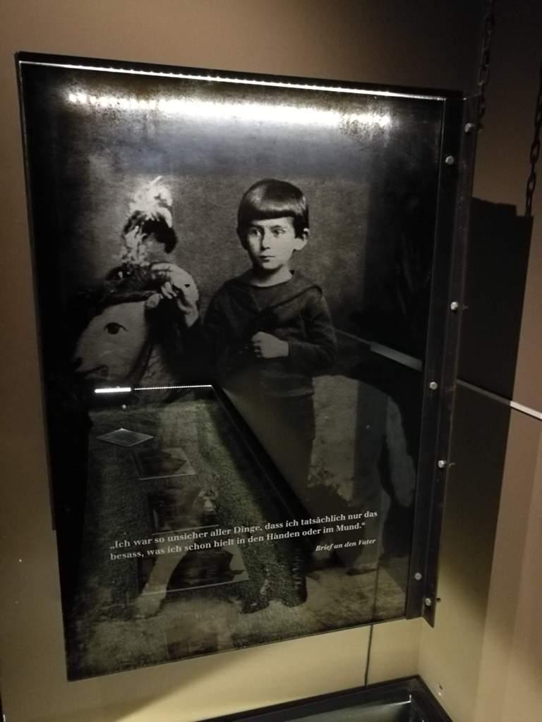 Картина в музее Кафки, Прага, Чехия