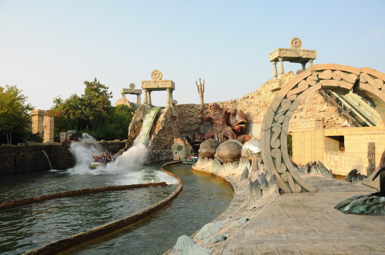 Водные аттракционы в парке Гардаленд, Италия