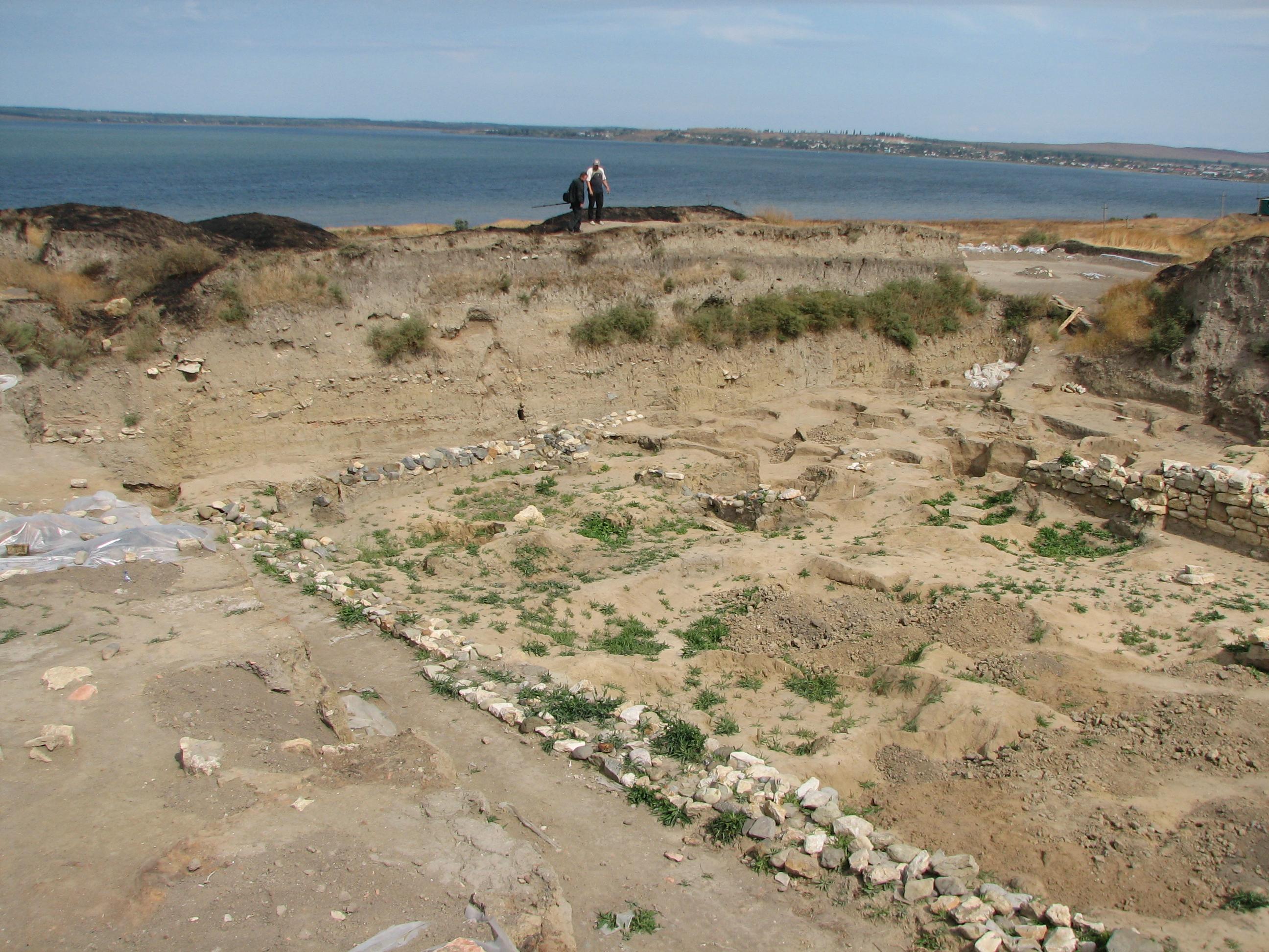 Раскопки в Фанагории, Сенной