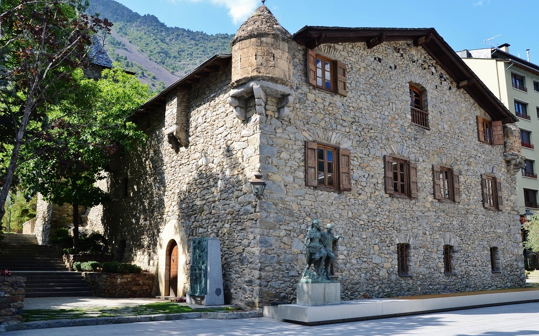 Картинки по запросу крепость каса-де-ла Валь