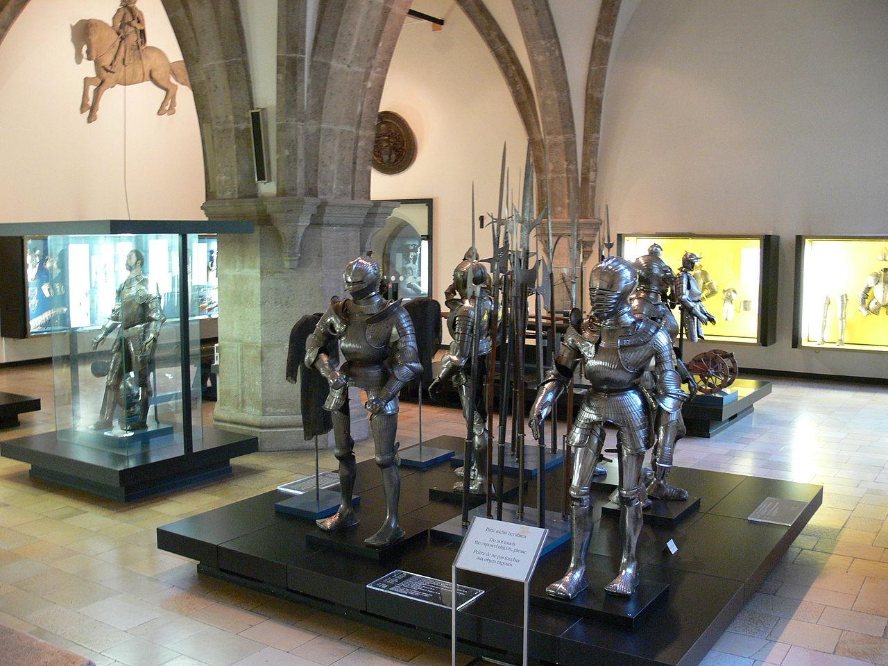 Баварский национальный музей в Мюнхене, рыцарские доспехи